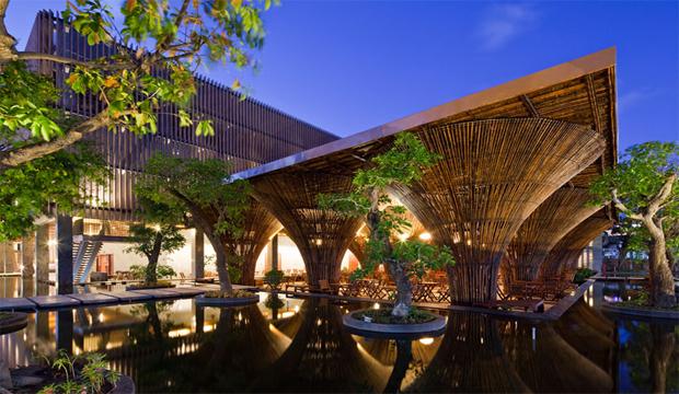 کافه bamboo kontum indochine ساخته شده از چوب های بامبو
